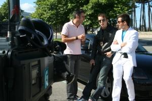 Entrevistados por Diego Viaño junto a la Playa de Samil en Vigo