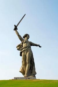 La estatua de la Madre Rusia (Mutter Heimat)